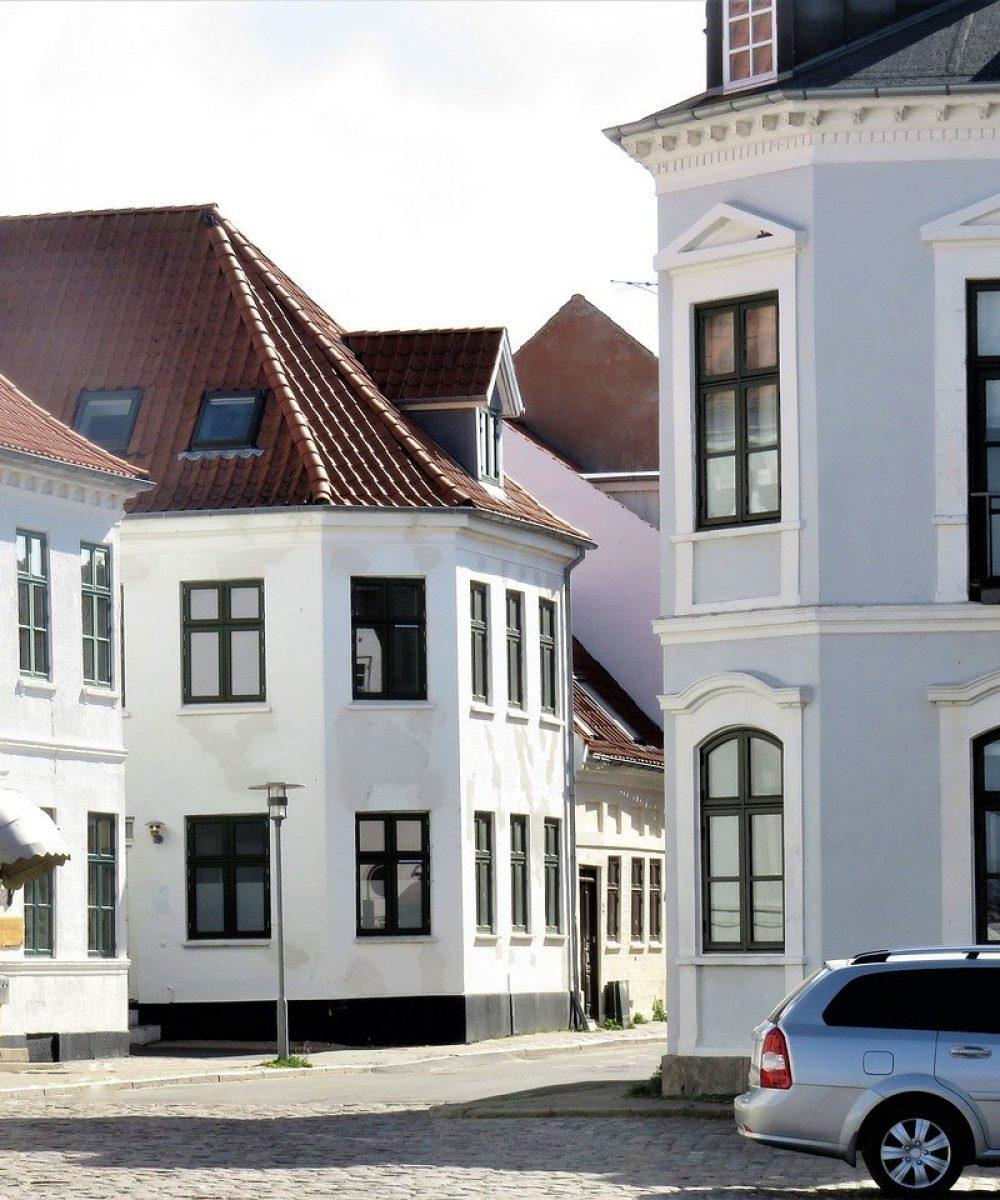 houses-4243968_1280